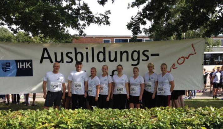 """""""Move on"""" hieß es für unsere 6 Azubis sowie Ralf Bölter (li.) und Wolfgang Reis"""